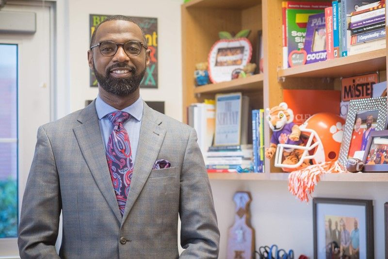 Monaview Elementary School Principal Damon Qualls has been appointed to serve on the Clemson University Senior Advisory Board.