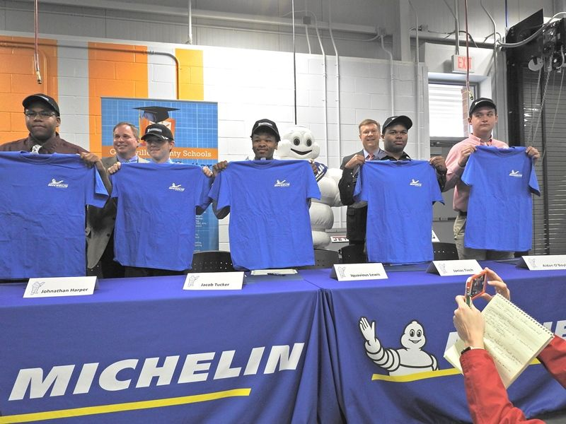 Signing Day Photo #9