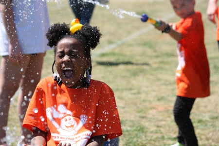 2nd graders enjoy field day